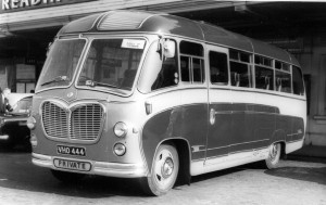 Ex-Chiltonian Bedford coach [VHO 444] - 1953