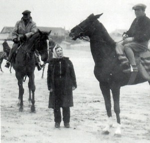 Bay Powell and Jack Dowdeswell with Betty Dowdeswell